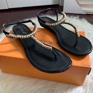 UNISA women's black sandals with pearls size:9 1/2